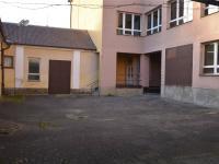 Vnitřní dvůr - Pronájem skladovacích prostor 100 m², Klatovy