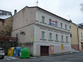 pohled směr od zámku - Prodej domu v osobním vlastnictví 220 m², Bečov nad Teplou