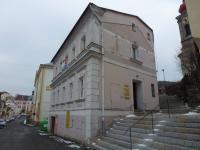 pohled na vstup do domu - Prodej domu v osobním vlastnictví 220 m², Bečov nad Teplou