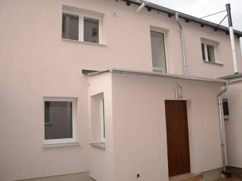 pohled na byt ze dvora - Prodej bytu 4+kk v osobním vlastnictví 105 m², Plzeň