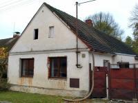 pohled na RD z ulice (Prodej domu v osobním vlastnictví 180 m², Dýšina)