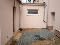 dvůr - Prodej domu v osobním vlastnictví 105 m², Plzeň