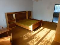 pokoj 1.NP (Prodej domu v osobním vlastnictví 210 m², Dolní Lukavice)