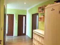 chodba - Prodej bytu 3+1 v osobním vlastnictví 79 m², Plzeň