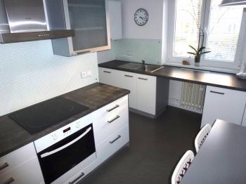 kuchyně - Prodej bytu 2+1 v osobním vlastnictví 70 m², Plzeň