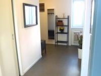 chodba- vstup do šatny - Prodej bytu 2+1 v osobním vlastnictví 70 m², Plzeň