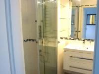 koupelna se sprchou - Prodej bytu 2+1 v osobním vlastnictví 70 m², Plzeň