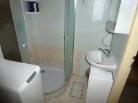 koupelna s WC - Prodej bytu 2+kk v osobním vlastnictví 55 m², Dobřany