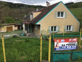 Prodej domu v osobním vlastnictví 200 m², Mochtín