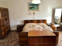 Pokoj 1 - Prodej domu v osobním vlastnictví 200 m², Mochtín