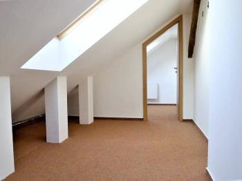 Pronájem kancelářských prostor 64 m², Plzeň
