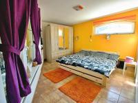 Samostatný pokoj (Prodej nájemního domu 420 m², Brno)