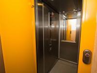 Výtah v mezipatře (Prodej bytu 3+1 v osobním vlastnictví 72 m², Brno)
