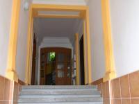 vstup do domu (Pronájem bytu 2+1 v osobním vlastnictví 62 m², Brno)