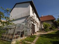Pohled na dům ze zahrady (Prodej domu v osobním vlastnictví 286 m², Babice nad Svitavou)