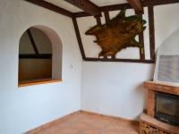 Místnost s krbem (Prodej chaty / chalupy 23 m², Mokrá-Horákov)