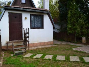 Prostor před chatou - Prodej chaty / chalupy 23 m², Mokrá-Horákov