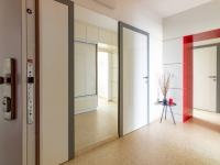 Bezpečnostní dveře pro maximální ochranu  (Prodej bytu 4+1 v osobním vlastnictví 85 m², Brno)