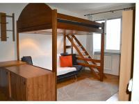 Pokoj s patrovou postelí pro dva (Pronájem bytu 1+1 v osobním vlastnictví 35 m², Brno)
