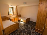 Ložnice v přízemí (Pronájem bytu 3+kk v osobním vlastnictví 140 m², Kovalovice)