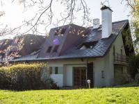 Pohled na budovu (Pronájem bytu 3+kk v osobním vlastnictví 140 m², Kovalovice)