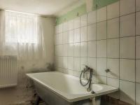 Samostatná koupelna - Prodej domu v osobním vlastnictví 100 m², Kroměříž