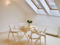 Prostorná jídelna - Prodej bytu 4+kk v osobním vlastnictví 138 m², Brno