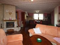 Obžvací pokoj - Prodej domu v osobním vlastnictví 235 m², Hluboké Mašůvky
