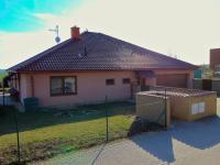 POhled RD z ulice - Prodej domu v osobním vlastnictví 235 m², Hluboké Mašůvky