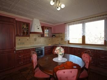 Kuchyň - Prodej domu v osobním vlastnictví 235 m², Hluboké Mašůvky