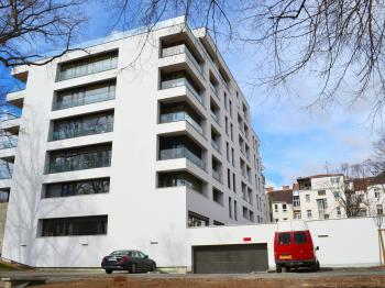 Novostavba bytového domu známého architekta Petra Hrůši - Pronájem bytu 2+kk v osobním vlastnictví 47 m², Brno