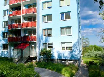 Vstup do domu - Prodej bytu 1+kk v osobním vlastnictví 30 m², Brno