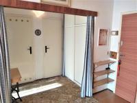 Předsíň 12,6 m2 - Prodej bytu 3+1 v osobním vlastnictví 77 m², Brno