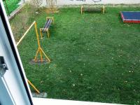 Soukromé hřiště pro děti z domu - Prodej bytu 3+1 v osobním vlastnictví 66 m², Brno