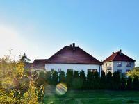 Prodej domu v osobním vlastnictví 148 m², Dvory
