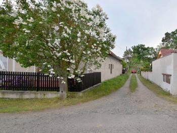 Prodej pozemku 678 m², Písty
