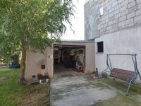Garáž (Prodej domu v osobním vlastnictví 197 m², Sadská)