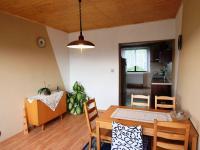 JÍDELNA V 1. PATŘE (Prodej domu v osobním vlastnictví 197 m², Sadská)