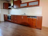 KUCHYNĚ V PATŘE (Prodej domu v osobním vlastnictví 197 m², Sadská)