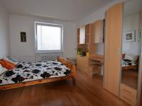 Pokoj č. 1 (Prodej bytu 3+1 v osobním vlastnictví 80 m², Praha 9 - Letňany)