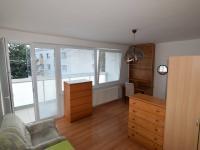 Obývací pokoj (Prodej bytu 3+1 v osobním vlastnictví 80 m², Praha 9 - Letňany)