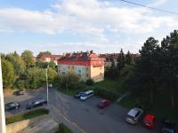 Výhled z Obývacího pokoje (Prodej bytu 3+1 v osobním vlastnictví 80 m², Praha 9 - Letňany)