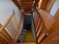 SCHODY DO SKLEPA - Prodej domu v osobním vlastnictví 114 m², Sadská