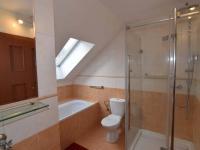 KOUPELNA V PATŘE - Prodej domu v osobním vlastnictví 140 m², Hradištko