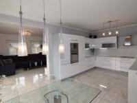 KUCHYŇE S JÍDELNÍM KOUTEM - Prodej domu v osobním vlastnictví 140 m², Hradištko