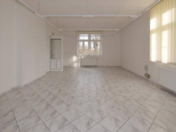 Pronájem obchodních prostor 126 m², Nymburk