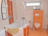 Spodní byt (Pronájem domu v osobním vlastnictví 90 m², Lučina)
