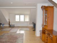 Horní byt (Pronájem domu v osobním vlastnictví 90 m², Lučina)