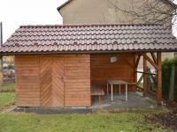 Zahradní posezení (Pronájem domu v osobním vlastnictví 90 m², Lučina)