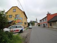 poloha nedaleko náměstí (Pronájem obchodních prostor 65 m², Paskov)